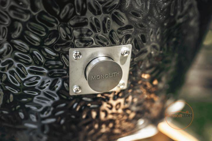 фото Угольный гриль Monolith Junior Pro-Series 2.0 Black с ножками
