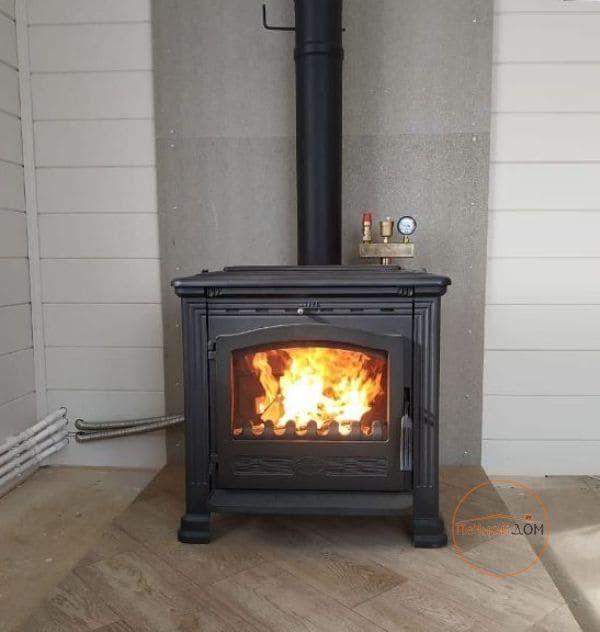 фото Чугунная печь Plamen Tena Thermo для водяного отопления